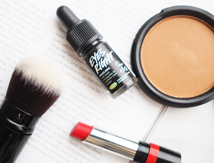 REVIEW | LUSH EYES RIGHT MASCARA